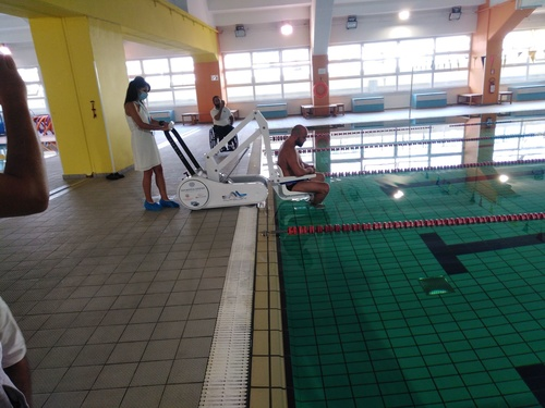 Lift Platform for People with Disabilities in the municipal pool in Pankritio